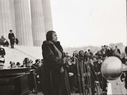 c1-9-anderson_marian_concert_1939.jpg