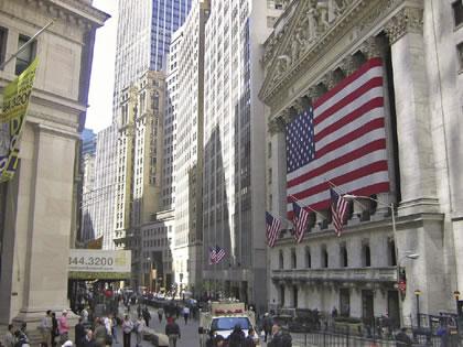 e0-wall_street_stock_exchange.jpg